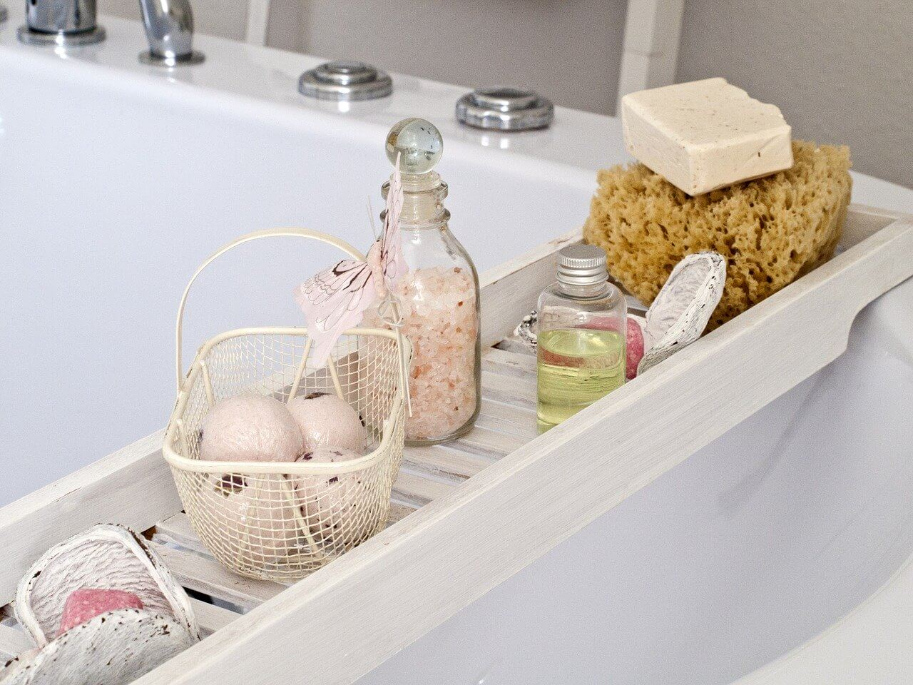 How to make a relaxing bath with household items